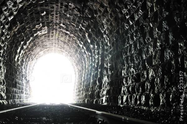 А через год показался свет в конце тоннеля